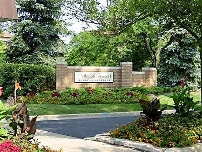 Valley Lo Towers Ii 1900 1920 Chestnut Ave Glenview Il Apartments For Rent
