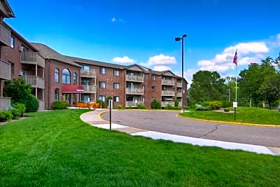 Lakewood Hills Apartments - White Bear Lake, Minnesota 55110