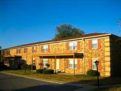 Charleston Square Apartments - Columbus, Indiana