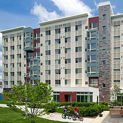 Metro Green Residences - Stamford, Connecticut 06902