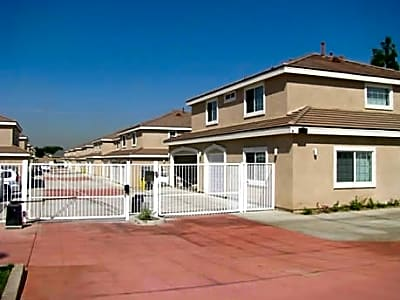 Riverside Palms Apartments - Rialto, California 92376