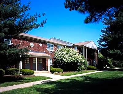 Brookwood Gardens Apartments - Hightstown, New Jersey 08520