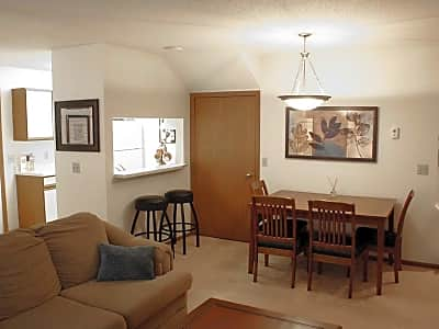 Southfork Apartments - Lakeville, Minnesota 55044