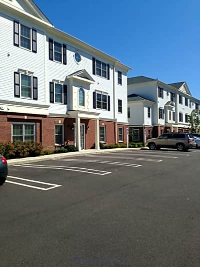 Prospect Falls / Spinnaker Apartments - Milford, Connecticut 06460