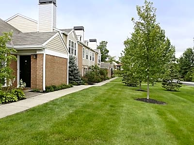 Williamsburg Townhomes At Greenwood - Sagamore Hills, Ohio 44067