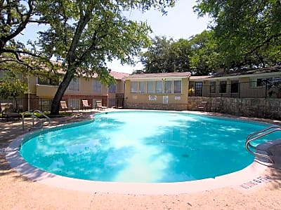 Windbury Apartment Homes in the Medical Park - San Antonio, Texas 78240
