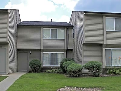 Rochester Villas Townhomes - Troy, Michigan 48085