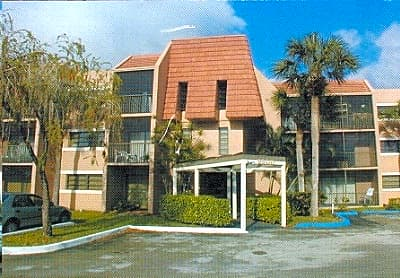 Palm Crest Apartments - Coral Springs, Florida 33071