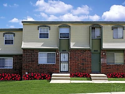 Green Village Townhomes - Kansas City, Missouri 64126
