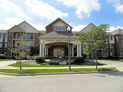 Foxbrook Apartments - Brookfield, Wisconsin 53045