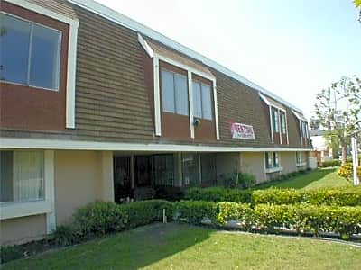 Mountain View Apartments - San Bernardino, California 92404