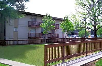 Eagles Nest Apartments - Kansas City, Kansas 66102