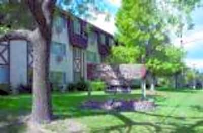 Sunplace Apartments - Roseville, Minnesota 55113