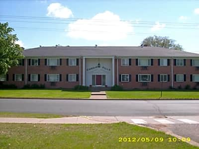 Carriage Hill Apartments West 5th Street Menomonie Wi Apartments For Rent