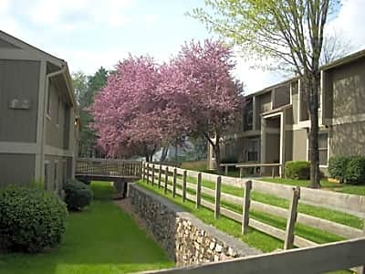 Ridgewood Village Apartments - Blacksburg, Virginia