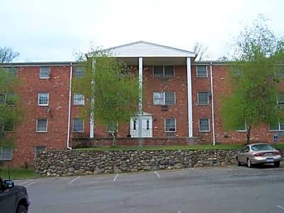 Stonegate Apartments - Waterbury, Connecticut 06705