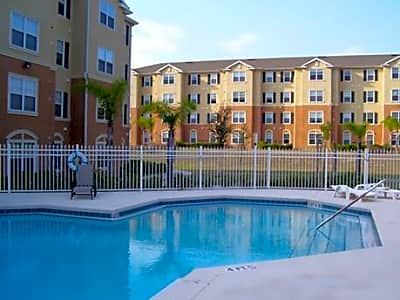 Silver Pointe Senior Housing - Leesburg, Florida 34748