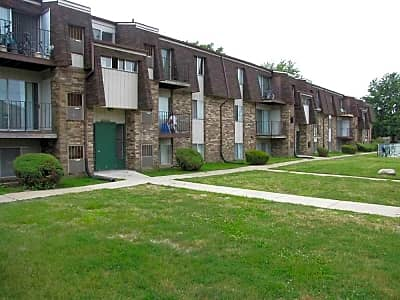 The Glens Apartments - Harrison Township, Michigan 48045