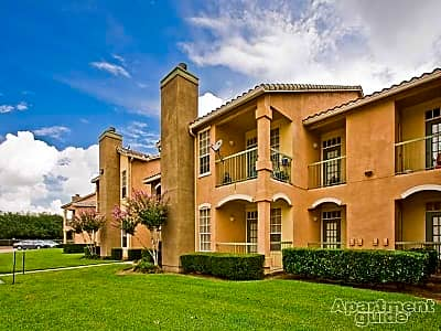 Signature Point Apartments - League City, Texas 77573