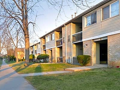 Fox Meadow Apartments and Townhomes - Maple Shade, New Jersey 08052