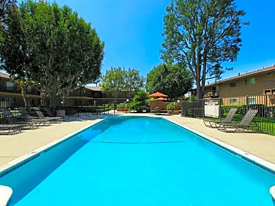 La Ramada Apartment Homes - Fullerton, California 92831