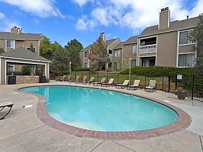 Quail Cove - Colorado Springs, Colorado 80906