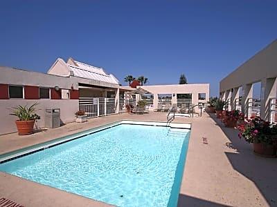 The Joshua Apts - Los Angeles, California 90046