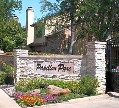 Papillon Parc Townhomes - Fort Worth, Texas 76120