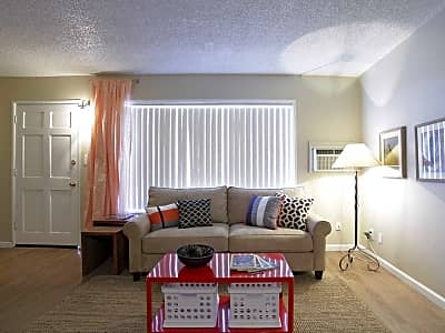Las Brisas Apartments - Colton, California 92324