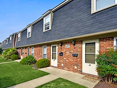 Oak Hill Townhomes - Salisbury, Maryland