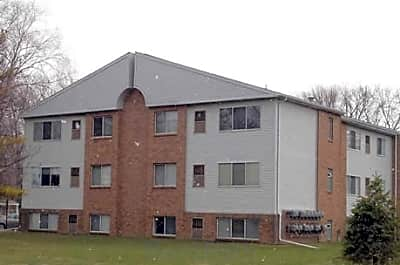 Amber Elm East Apartments - Clawson, Michigan 48017