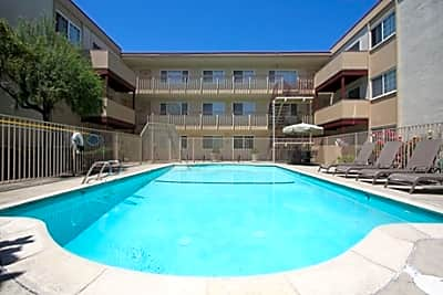 Sequoia Grove Apartments - San Leandro, California 94578