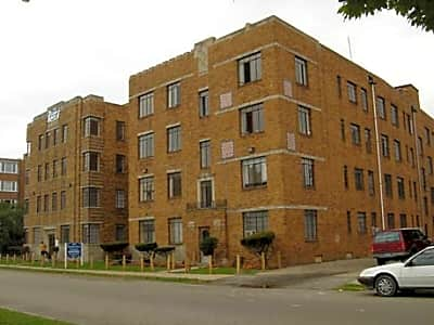 Parkview Court - Detroit, Michigan 48203