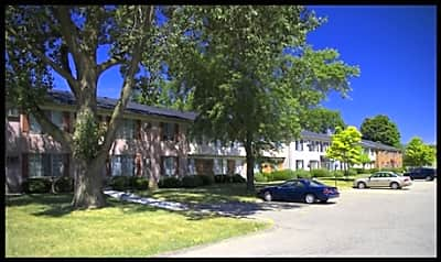 Chatsford Village Apartments - Madison Heights, Michigan 48071