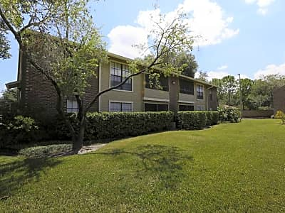 Carrollwood Station Apartments - Tampa, Florida 33614