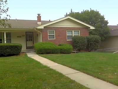 Pacific Street Duplexes by  Broadmoor - Omaha, Nebraska 68144