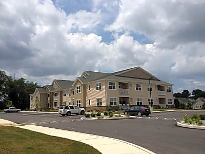 Sutherland Village Apartments - Lancaster, Pennsylvania 17603