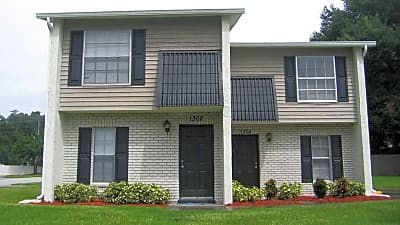 Valleyview Garden Townhomes - Seffner, Florida 33584