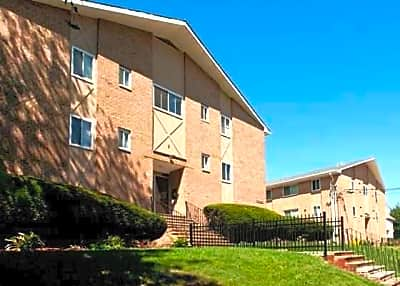 Rutgers Court Apartments - Belleville, New Jersey 07109