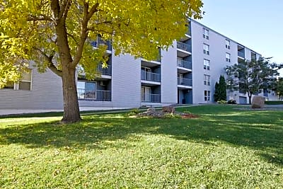Park Plaza Apartments - Saint Cloud, Minnesota 56301