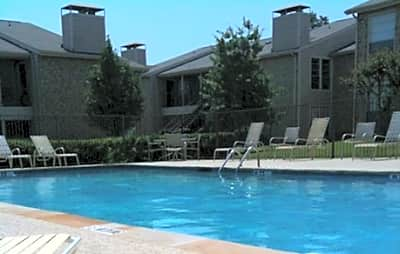 Coronado North Apartments - Denton, Texas 76209