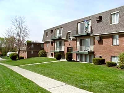 Delshire Apartments - Cincinnati, Ohio 45238