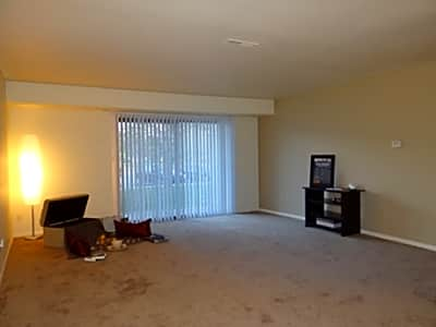 Autumn Creek Apartments - Fort Wayne, Indiana 46802