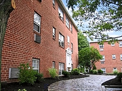 Woodmere Apartments - Stratford, New Jersey 08084