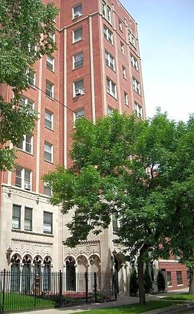 Winthrop Terrace - Chicago, Illinois 60660