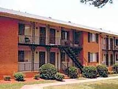 Crescent Square - Marietta, Georgia 30008