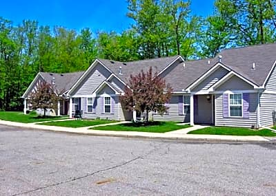 Oak Tree Village - Grand Ledge, Michigan 48837