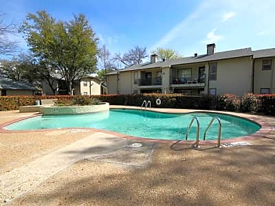 Carriage House Apartments Grand Prairie Tx