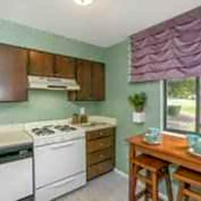 Lakewood Hills Townhomes & Apartments - Harrisburg, Pennsylvania 17109