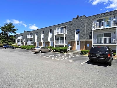 East Shore Apartments - East Providence, Rhode Island 02914